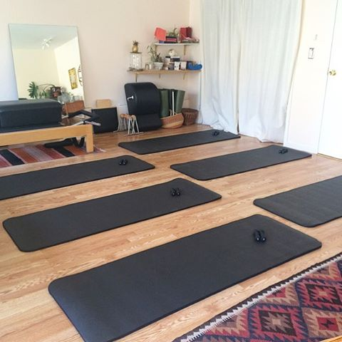 Pilates mat classes for ALL bodies coming to a Tuesday near you (if you live in Oakland). More info coming soon!! 💪🏽💪🏾💪🏿🍍 #Pilates #classicalpilates #pilatesmat #pilatesforallbodies