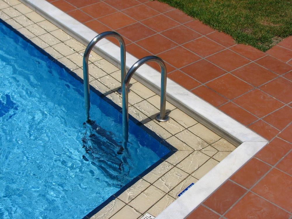 pool-ladder-3.jpg