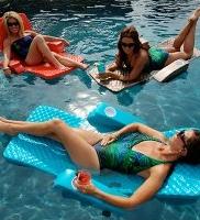 girls float.jpg