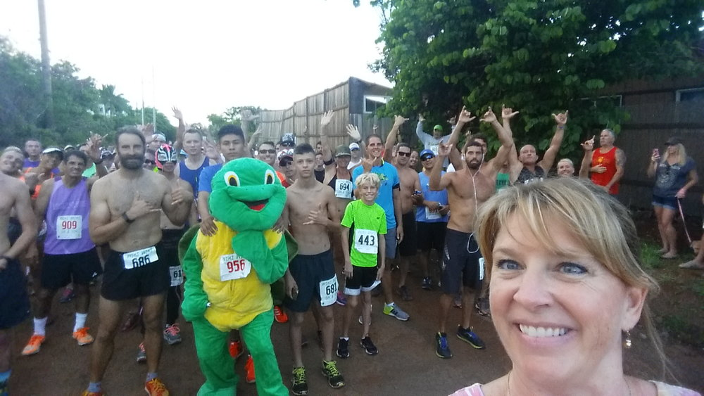 2016 Wiki Wiki 5k & 10k Start Line.  Selfie from Race Director Trish Link