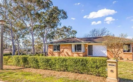 Scaddon Pl, 3 bedroom on a 722m2 block siding reserve, sold for $830,000 at auction.