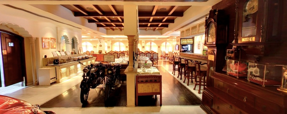 21 Gun Salute Harking back to the days of the Raj, this lavish retro dining spot serves Indian and Nepali dishes. Address:SCO 35-36, First Floor, Leisure Valley Road, Opp Bikaner Wale, Sector 29, Gurugram, Haryana 122001