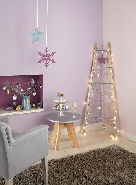 Crown_CC_Christmas_Living_Main_RT_cc_sRGB 460