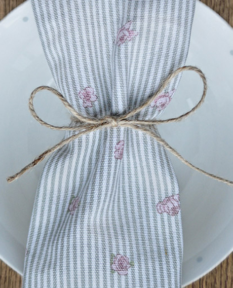 ALL13300-Rose-Napkins-Lifestyle-Low-Res-3