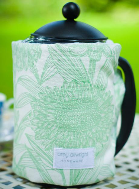 Aqua-Floral-Cafetiere-Cosy
