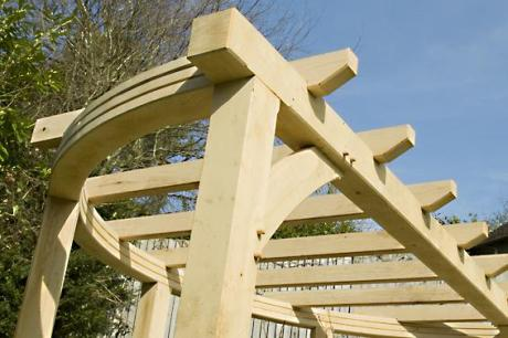 Bespoke pergola by Trade Oak Building Kits