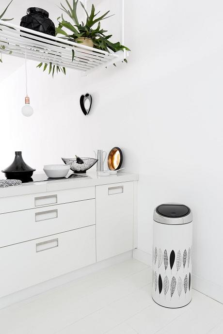 Brabantia 483981-Touch-Bin-30L-Pauline-Mood-Kitchen-01