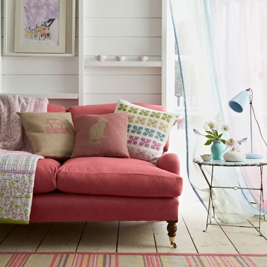 Pink-sofa-in-living-room--Country-Homes-and-Interiors--Housetohome.co.uk