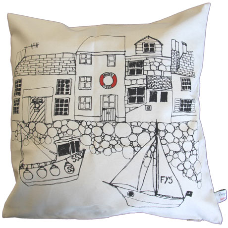 Poppy Treffy seaside white cushion