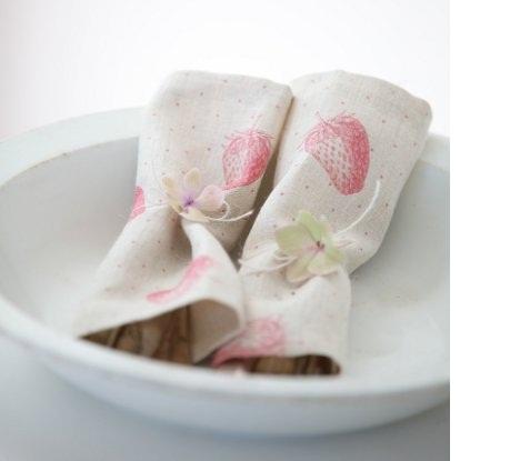 table linen,floral
