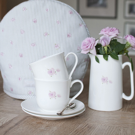 TCER01-Rose-Solo-Small-Teacup-&-Saucer-Square-Lifestyle-Low-Res