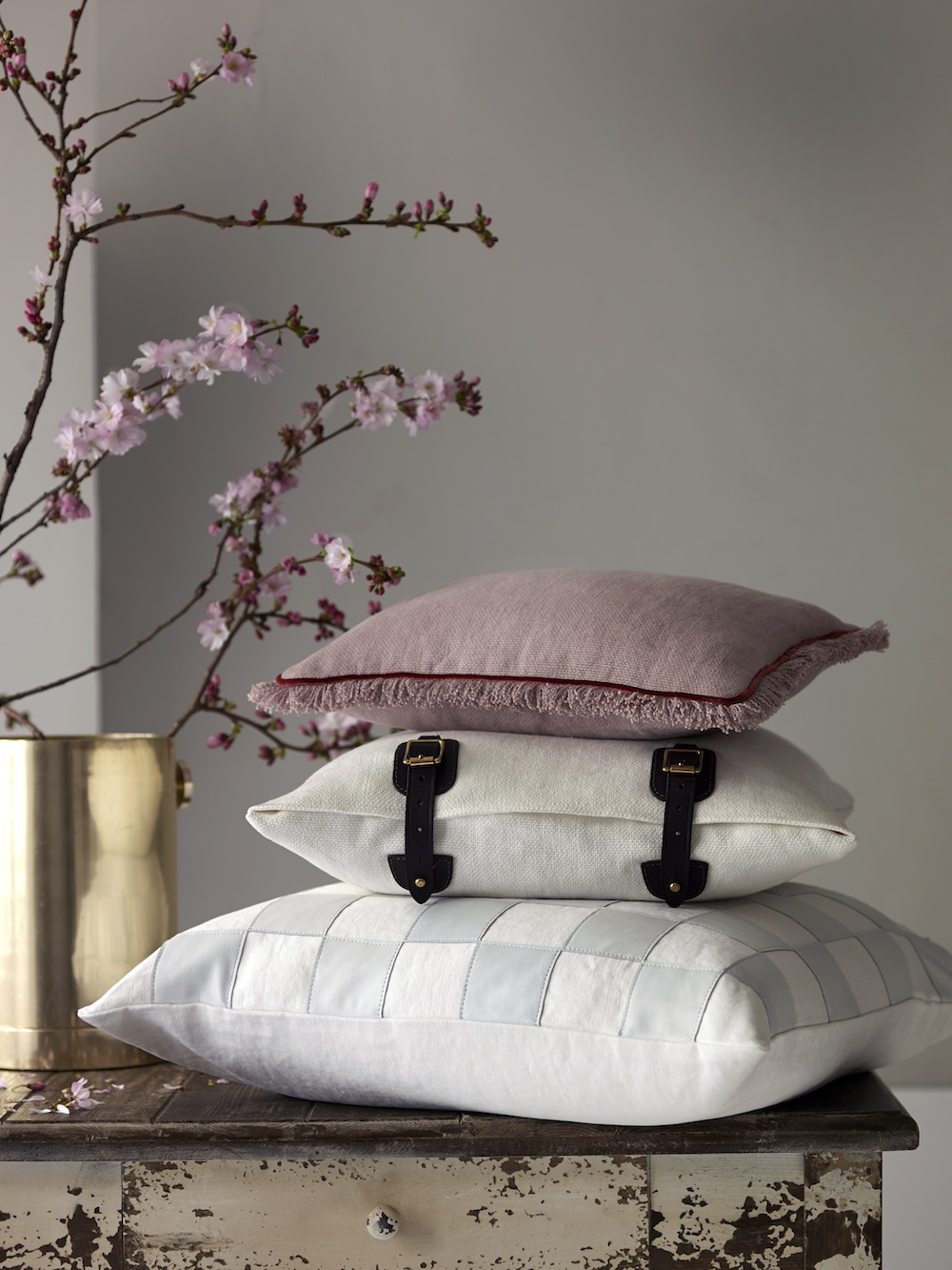 de Le Cuona Shop the Studio _cushions copy