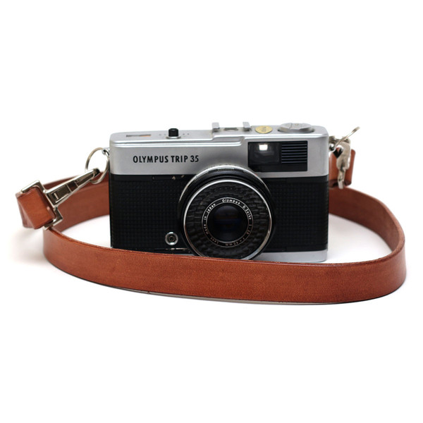 sail-handmade-retro-leather-camera-strap-made-in-the-uk_grande.jpg