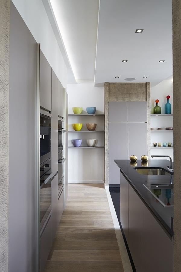 Stephanie Coutas - Parisian Apartment [4].jpg