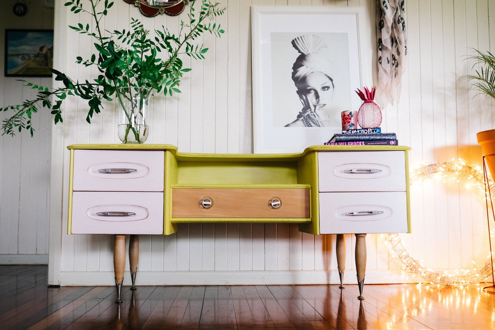 This fabulous sideboard was painted in English Yellow on the tops and sides, with the drawers painted in Antoinette, a soft pale pink. The legs were left unpainted and the whole finished with Clear Soft Wax.