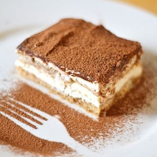 Recipe of the week: The classic Tiramisu 😋😋😋 Now on the blog www.hearthomemag.co.uk link in profile! 🙌 #recipe #hearthomemag #food #blog