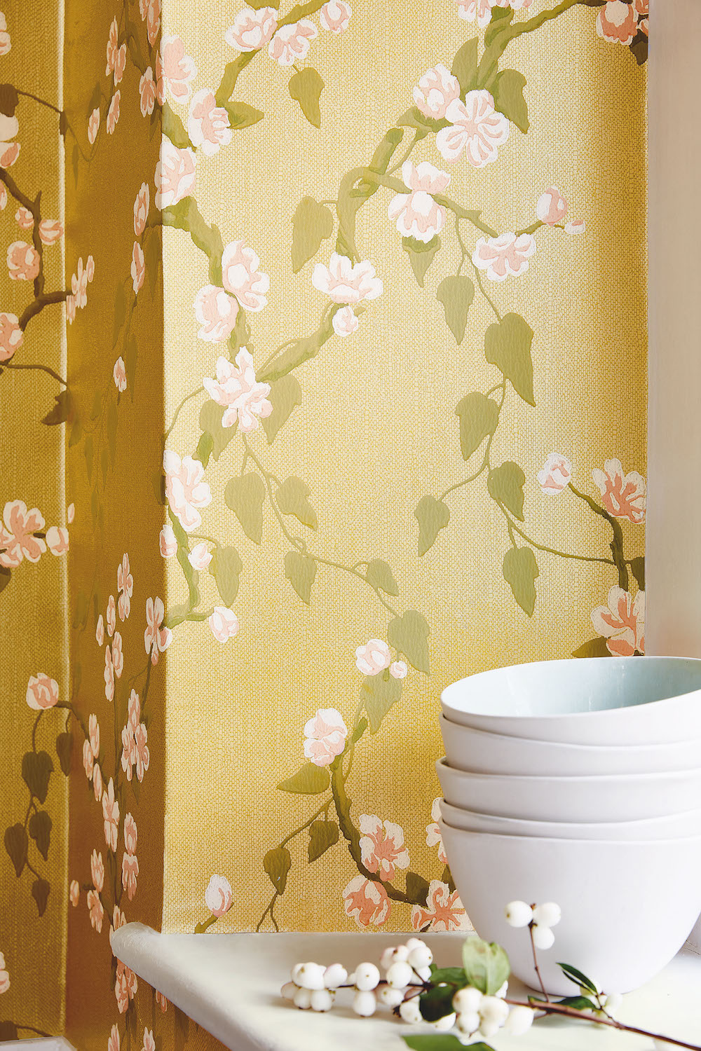 Sakura - Yellow Lustre, £82.00 per roll