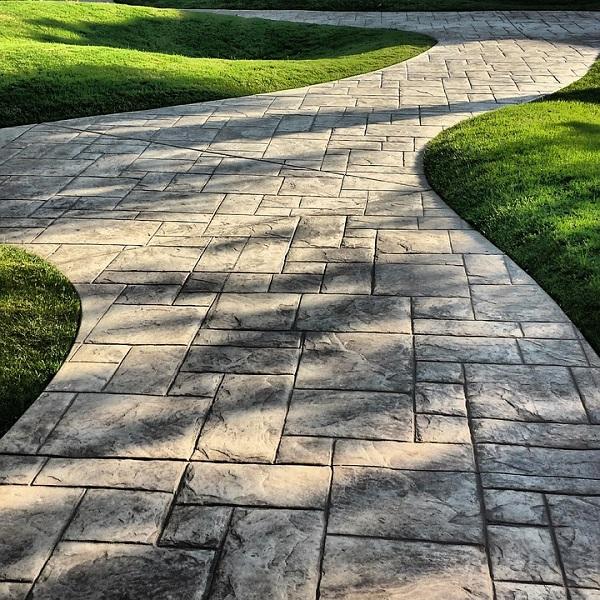 Creative ideas for using paving slabs in the garden for Garden slab designs