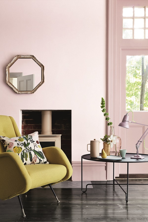 Wall: Dorchester Pink – Mid 286, Door and Woodwork: Dorchester Pink 213