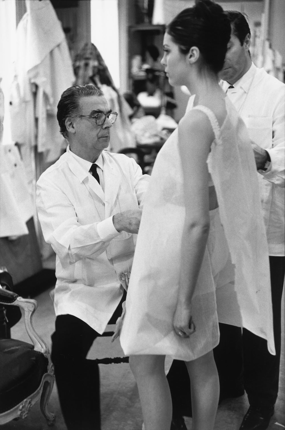 Cristóbal Balenciaga at work, Paris, 1968. Photograph Henri Cartier-Bresson © Henri Cartier-Bresson, Magnum Photos