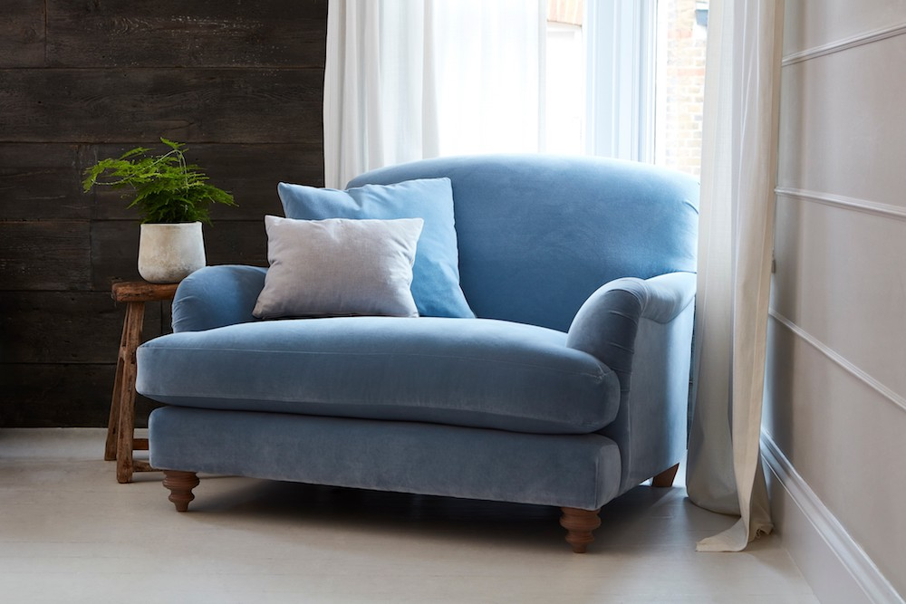 Harrow Snuggler in Varese velvet Smoke