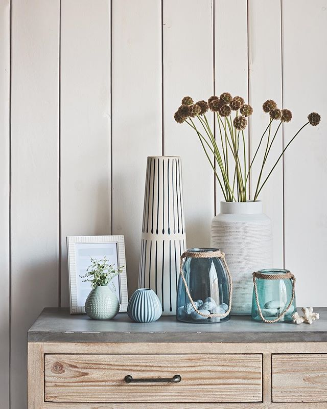 Spring is finally upon us and we are so excited here at Heart Home! So to celebrate the new season we are offering one lucky reader the chance to win a £250 voucher to spend on all things interiors at @debenhams... Perhaps you want to get your hands on some home accessories from their latest Coastal collection as shown here! To enter all you have to do is:  1. Follow both @Debenhams & @hearthomemag on Instagram  2. Leave a comment on the Heart Home blog post about the two collections mentioned! Link is in bio!  Good luck! 🌟 [sponsored]  #hearthomemagazine #debenhams #interiors #competition
