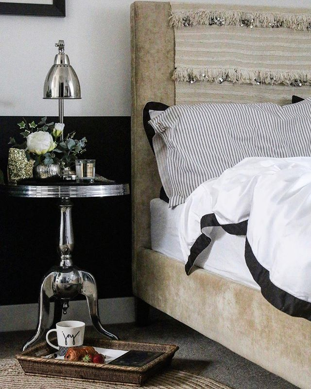 This duvet is made from recycled plastic bottles. Imagine that! Made by The Fine Bedding Co and available from @debenhams Luxury with a conscience. Read the full review #ontheblog - - - #spons #duvet #productreview #bedding #bedrooms #eco #ecological #luxurydesign