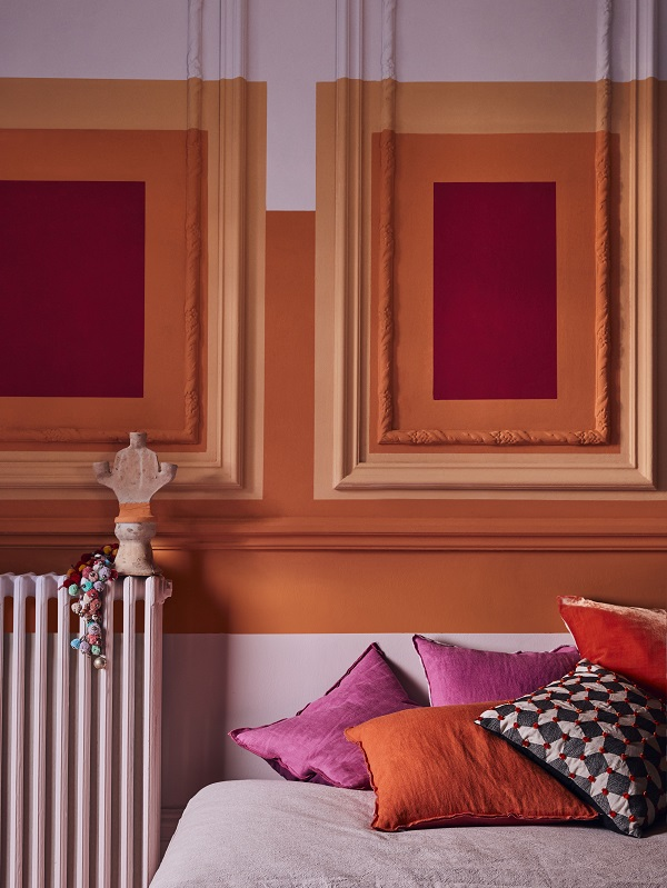 Annie Sloan   Chalk Paint   Sunset Squares On Panelled Wall   Antoinette Barcelona Orange Emperor's Silk   Lifestyle   Portrait .jpg