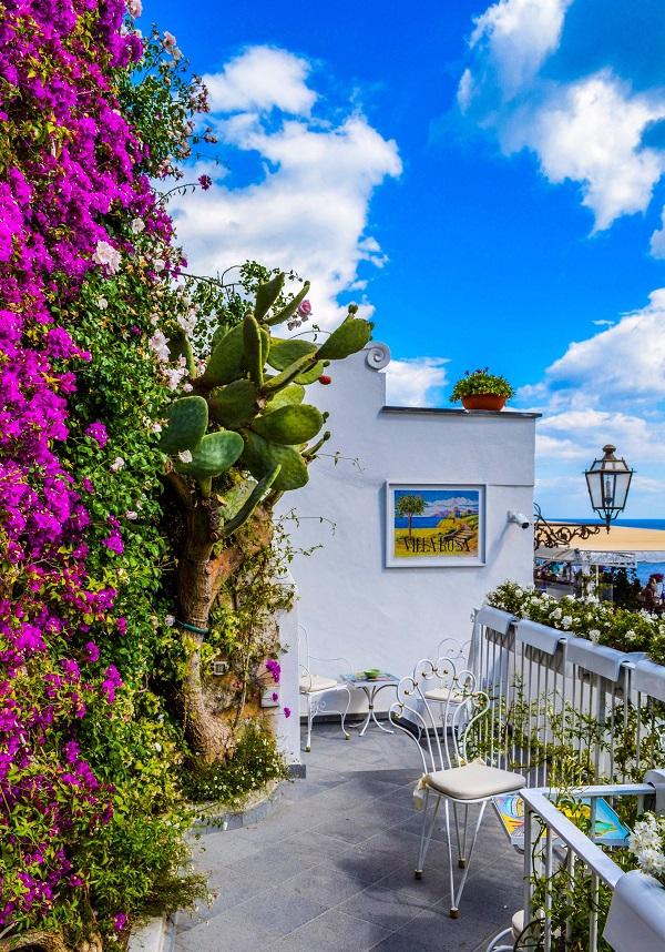 architecture-balcony-beautiful-919278.jpg