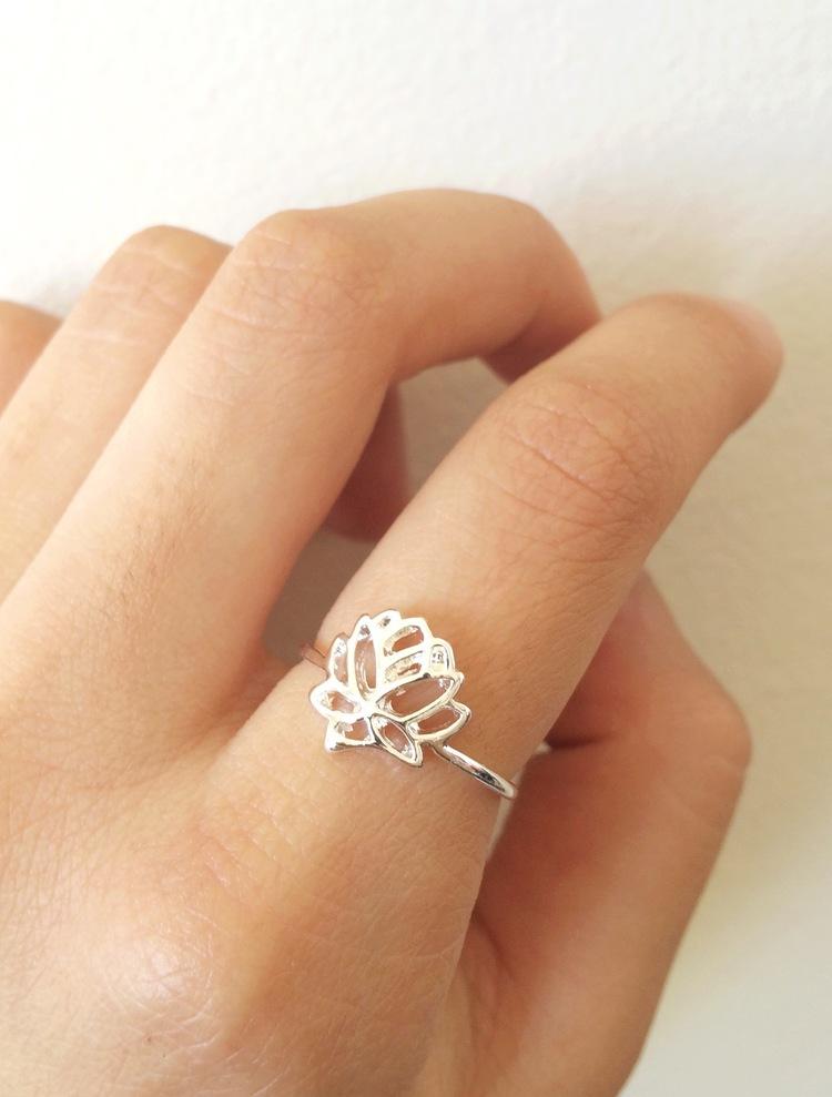 Lotus Flower Ring Northern Dash