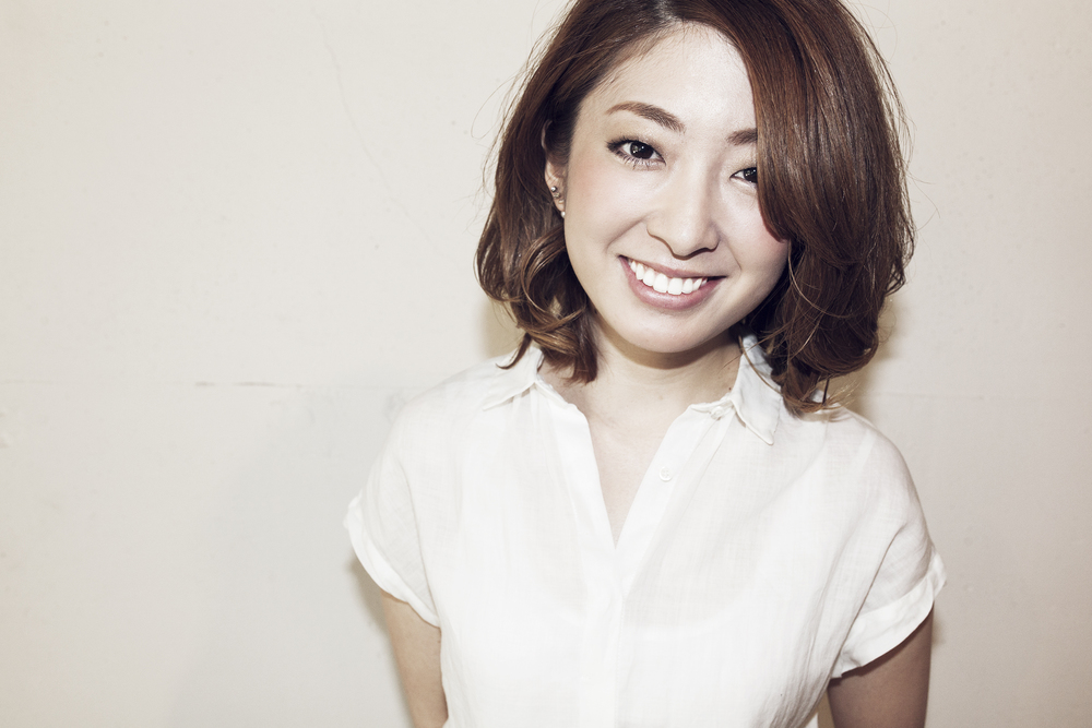 Chiharu Waki     脇 千晴    Assistant    東京都出身。   国際文化理容美容専門学校卒業。   2012年、都内2店舗を経てSavaに参加。   スタイリストデビューにむけて練習中。
