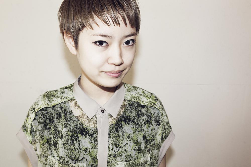 Hifumi Okada    岡田 妃史    Assistant   福島県出身。 国際文化理容美容専門学校卒業。 2013年、都内大手サロンを経てSavaに参加。