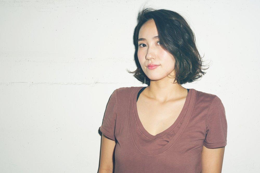 Kanako Fujikura   Stylist  埼玉県出身。東京美容専門学校卒業。2004年都内大手サロンSHIMA入社。銀座、吉祥寺2店舗で活動。2012年Savaに参加。スタイリストとしてサロンワーク中心に活動。