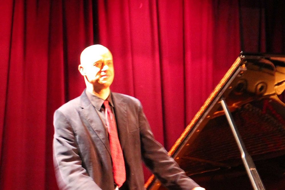 Viv McLean at West Wight Arts Concert October 2016