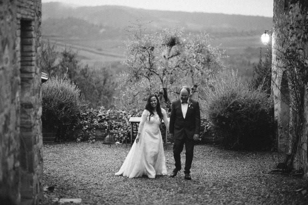 Quercia al Poggio Wedding Tuscany Italy Yeahyeah Photography Car