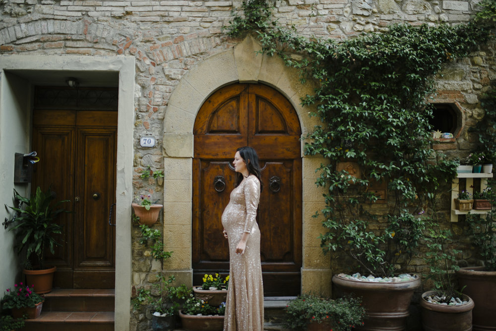 Lidia Tyron Couple Maternity Shoot Tuscany Italy Yeahyeah Photog