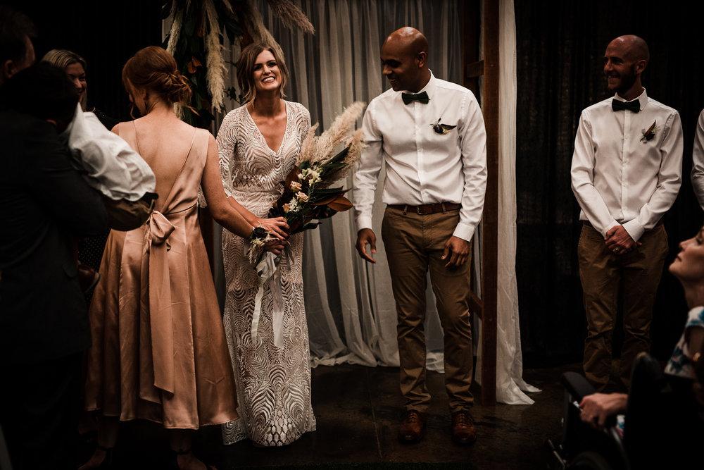 Bryllupsfotograf i Bergen, Oslo, Stavanger, Trondheim, Nord-Norge_industrielt bryllup-34.jpg