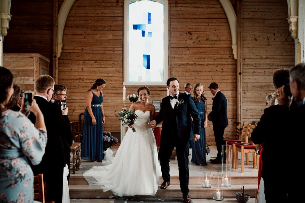 Bryllup-løen-på-sunde-bryllupsfotograf-Stavanger-Lofoten-Bergen-Oslo-21.jpg