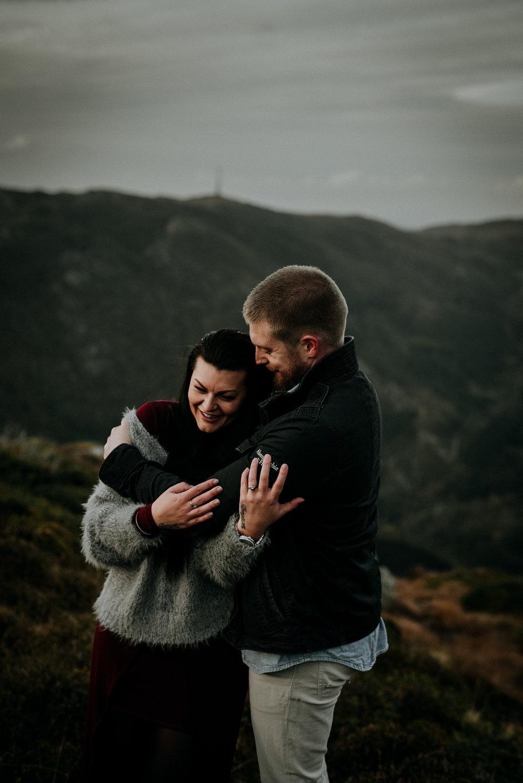 Kjærestefotografering på fjellet - Ulriken-6.jpg