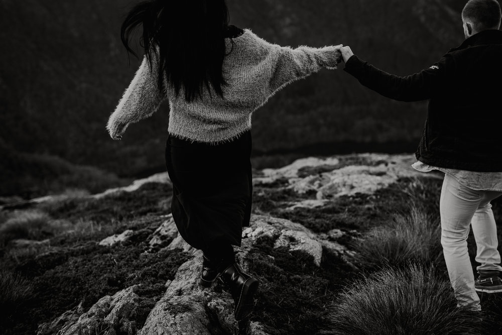Kjærestefotografering på fjellet - Ulriken-10.jpg