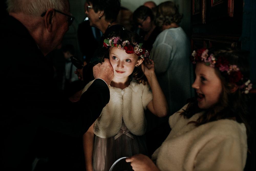 .... Elopement photographer Norway .. Bryllup på Hoel gård, høstbryllup ....