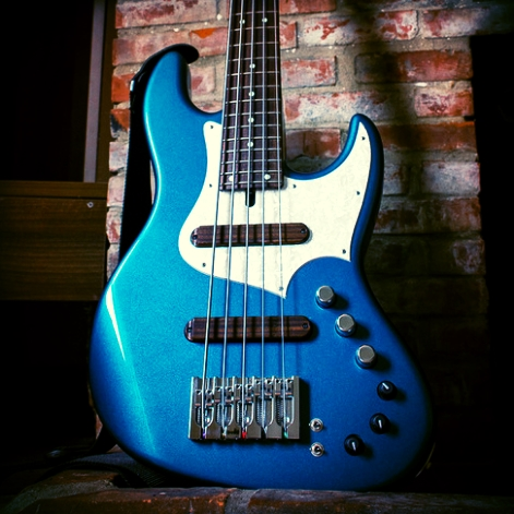 Xotic XJ-1 5 String Bass