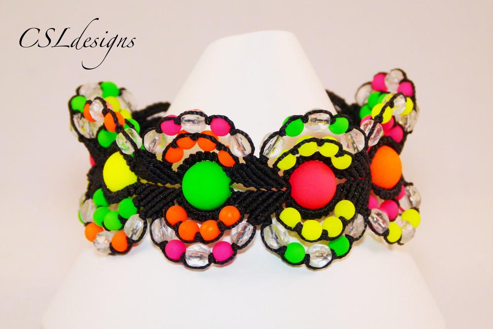 Micro macrame circles bracelet neon front close.jpg