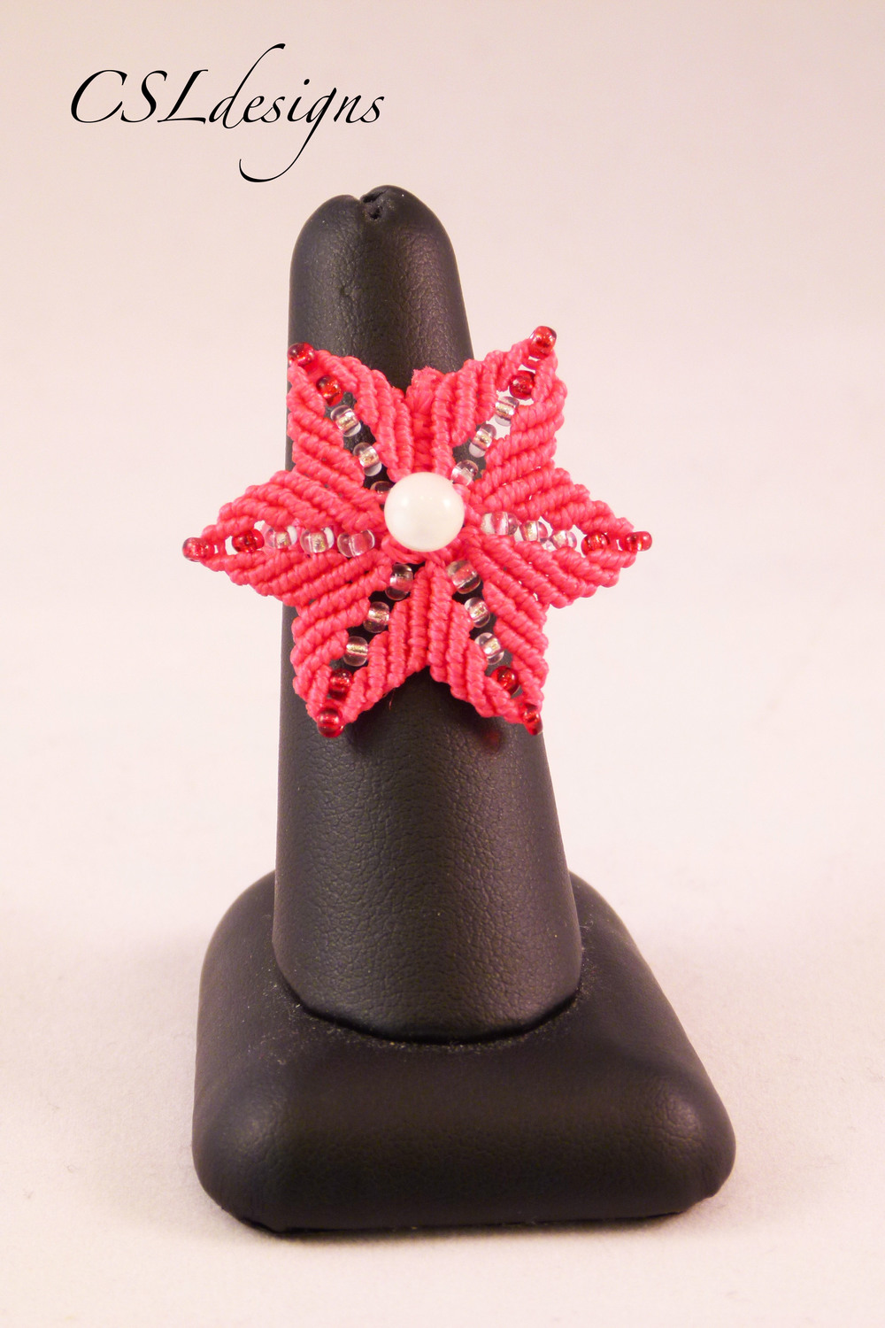 Micro macrame red flower ring front.jpg