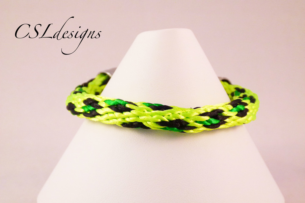 Leopard print kumihimo braid green close.jpg