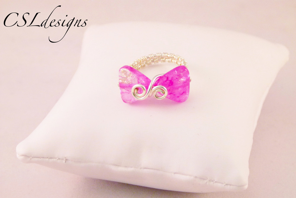 Wirework bow ring pink.jpg