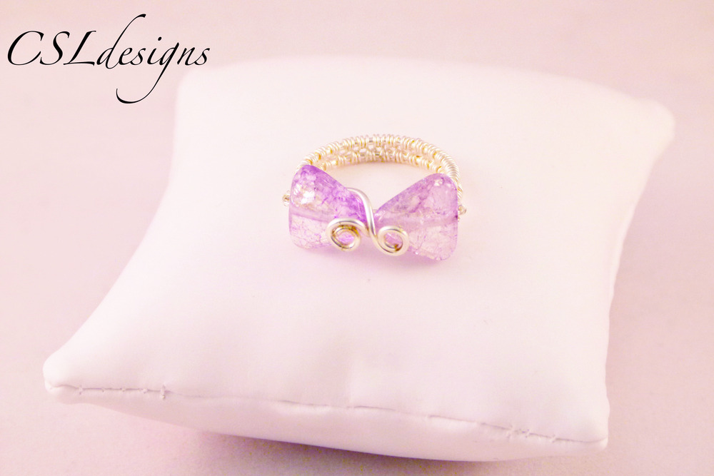 Wirework bow ring purple.jpg