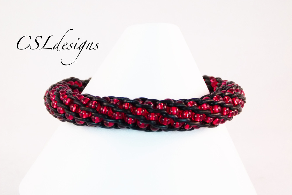 Inside beaded kumihimo braid red.jpg