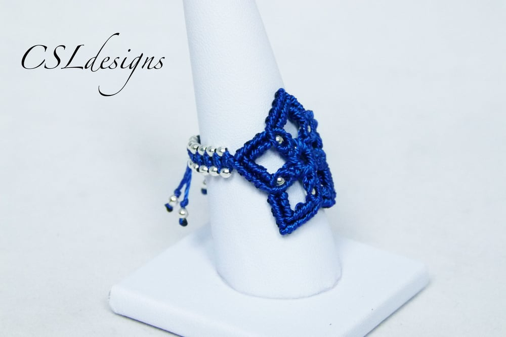 Micro macrame star ring side.jpg
