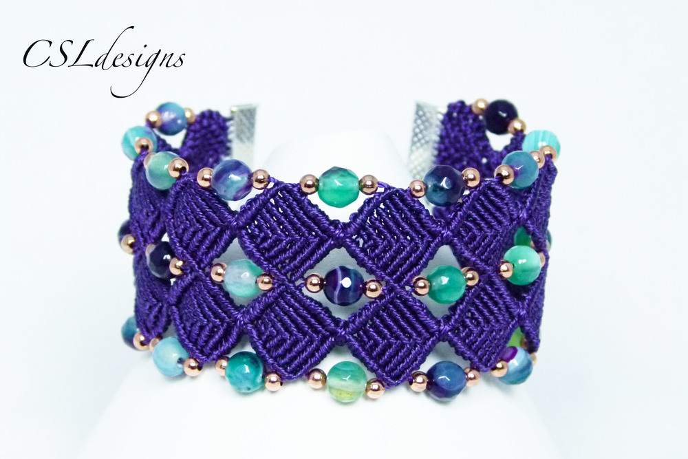 Beaded diamonds micro macrame bracelet front.jpg